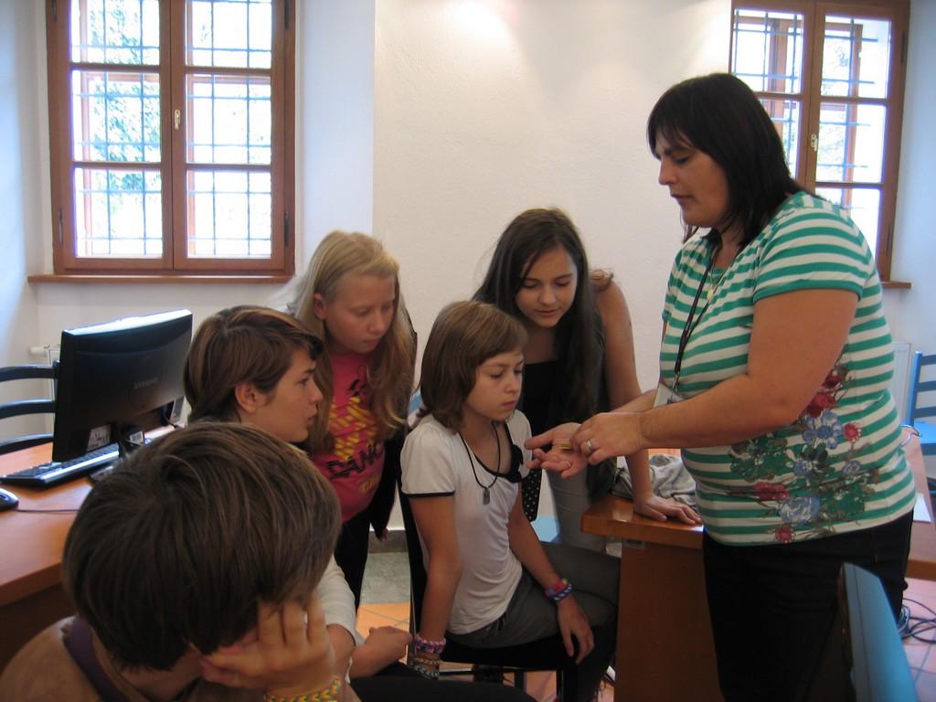 Obisk sedmošolcev v splošni knjižnici Mirana Jarca