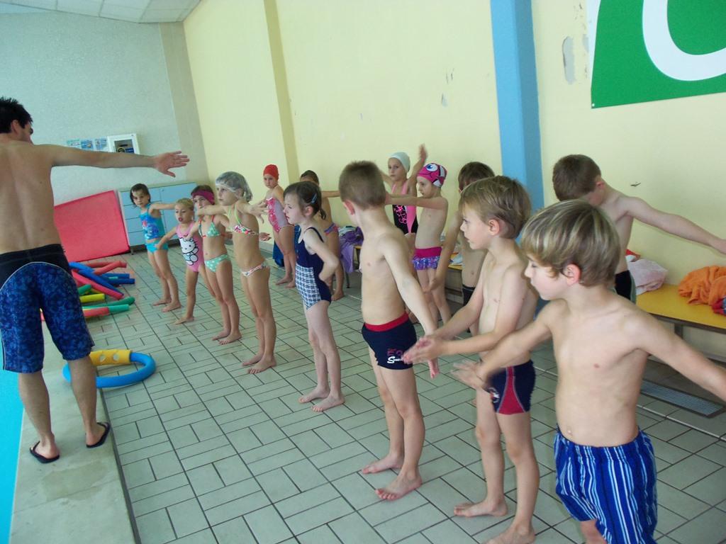 Plavalni tečaj 1. b razreda