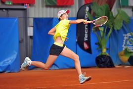 Mednarodni teniški uspeh Žive Falkner
