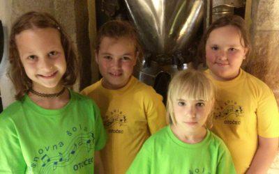 Učenke nastopile na prvem Festivalu velikonočne potice