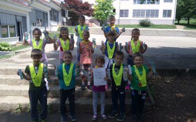 1. a razred zmagal na tekmovanju za zdrave in čiste zobe